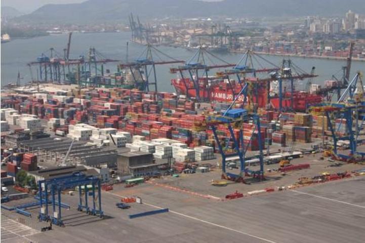 Santos Brasil vence disputa por serviço de armador para Ásia