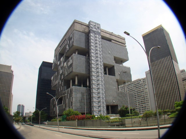 Parente vai vender gasodutos — Desmonte da Petrobras