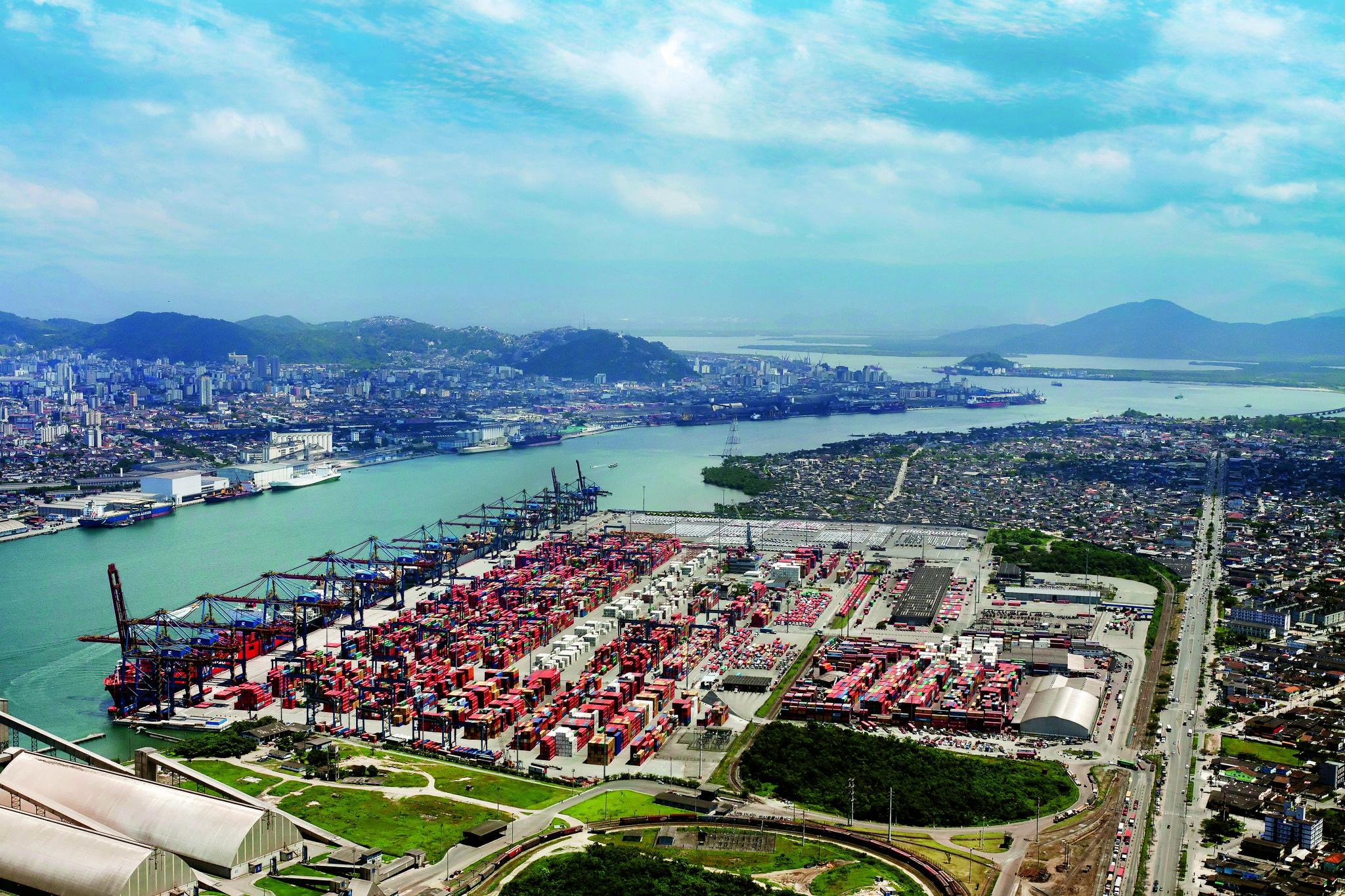 Santos Brasil discute na FIESC vantagens competitivas do Porto de Imbituba