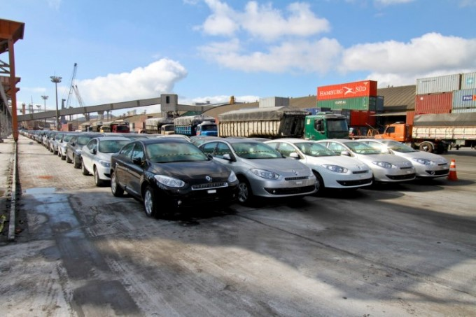 Movimentação de veículos cresce no Porto de Paranaguá
