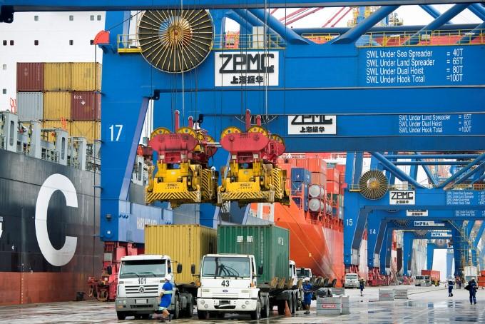 Santos Brasil apresenta crescimento de 16% na movimentação de contêineres no 2T18