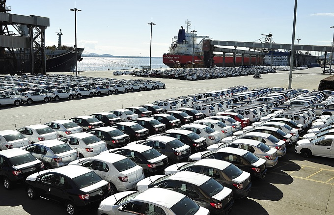 Exportação de veículos por Paranaguá bate recorde