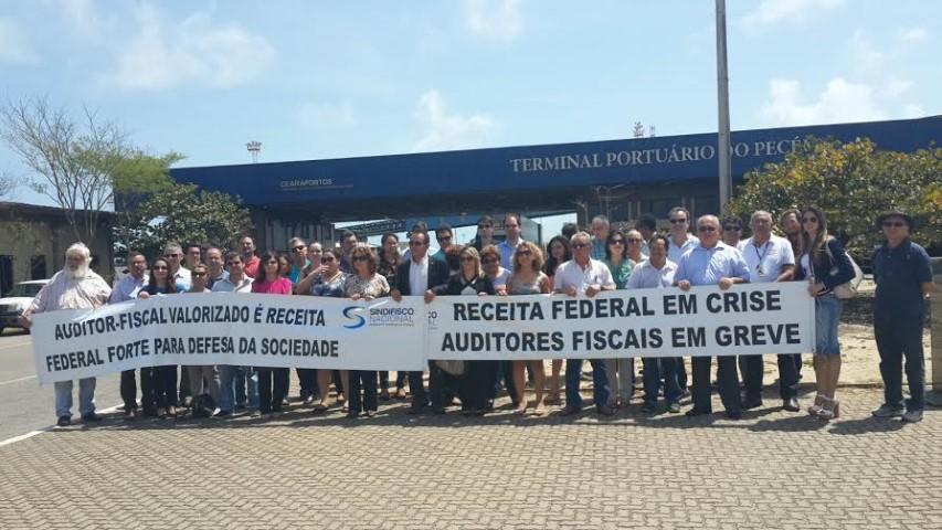 Resultado de imagem para Auditores fiscais da Receita Federal retomam greve